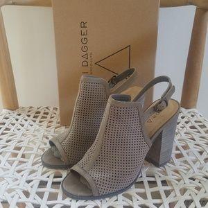 Kelsi Dagger Brooklyn Goyaps Stacked Heel sandal